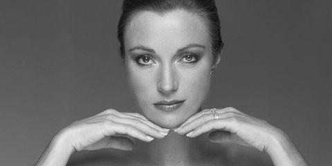 Face, Photograph, Lip, Eyebrow, Skin, Beauty, Shoulder, Model, Photo shoot, Hairstyle,
