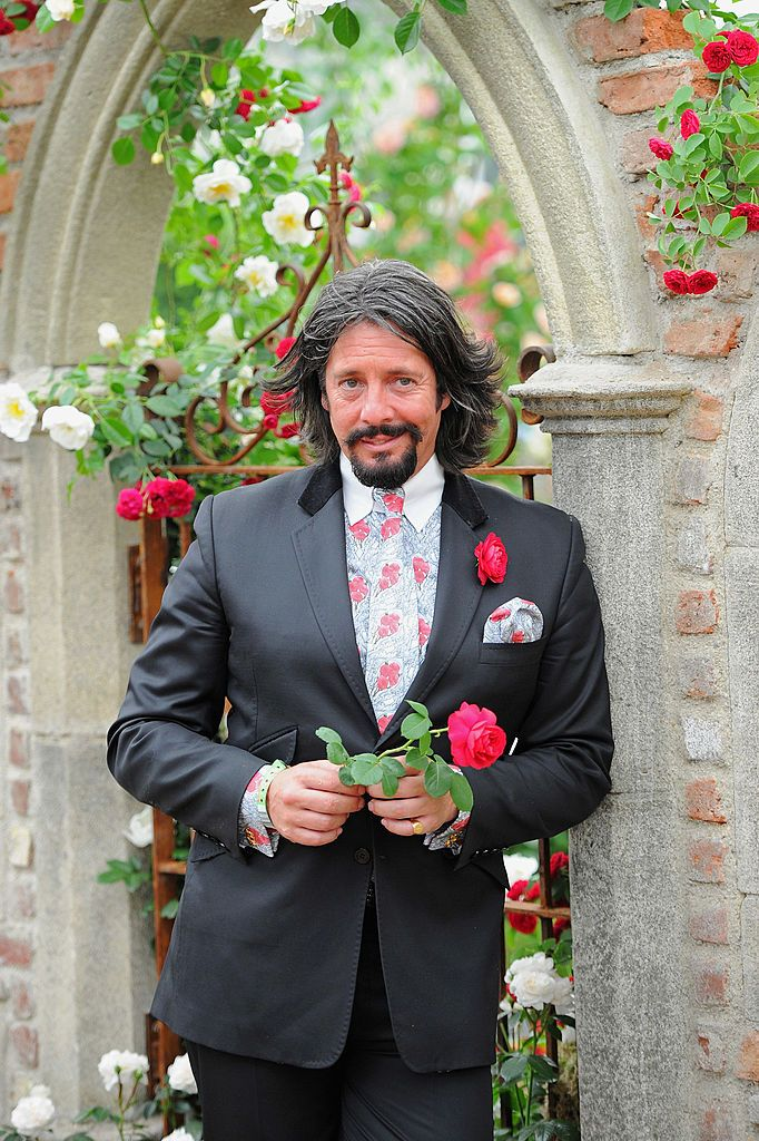 Inside Laurence Llewelyn-Bowen's stunning Cotswolds home