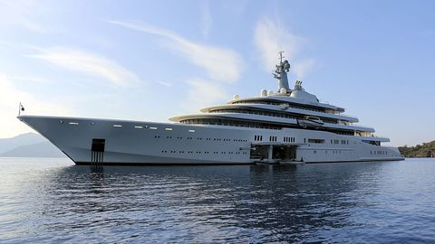 Luxury yacht, Yacht, Water transportation, Ship, Vehicle, Boat, Naval architecture, Passenger ship, Watercraft, Motor ship,