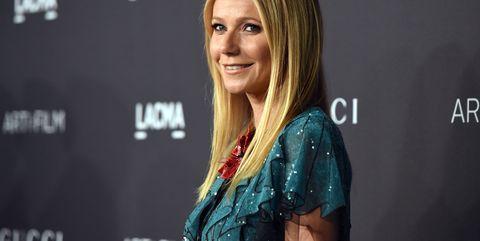 Blond, Technology, Premiere, Event, Long hair, Carpet, Television presenter,