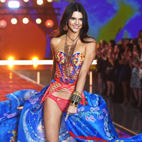 Is Kendall Jenner in the 2018 Victoria s Secret Fashion Show  One ... bb7111f83