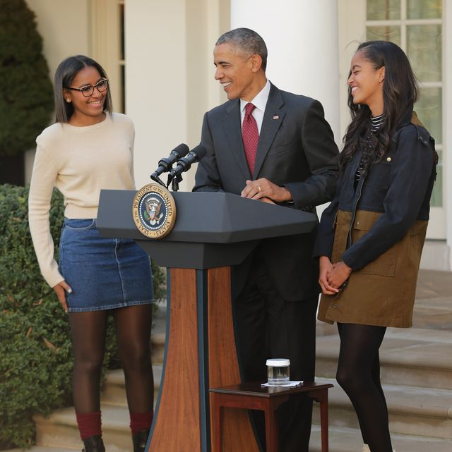 washington, dc   november 25  us president barack obama delivers remarks with his daughters sasha l and malia during the annual turkey pardoning ceremony in the rose garden at the white house  november 25, 2015 in washington, dc in a tradition dating back to 1947, the president pardons a turkey, sparing the tom    and his alternate    from becoming a thanksgiving day feast this year, americans were asked to choose which of two turkeys would be pardoned and to cast their votes on twitter  photo by chip somodevillagetty images