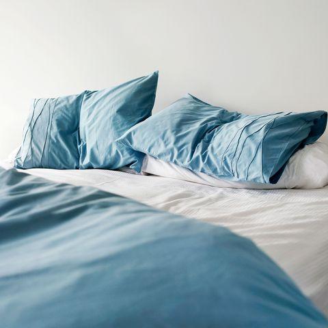 Bed sheet, Blue, Bedding, Bedroom, Bed, Furniture, Aqua, Turquoise, Duvet cover, Textile,