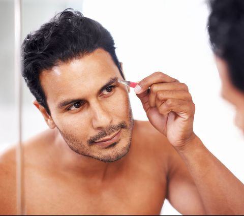 How to Trim Your Eyebrows - Brow Trimmers and Scissors for Men