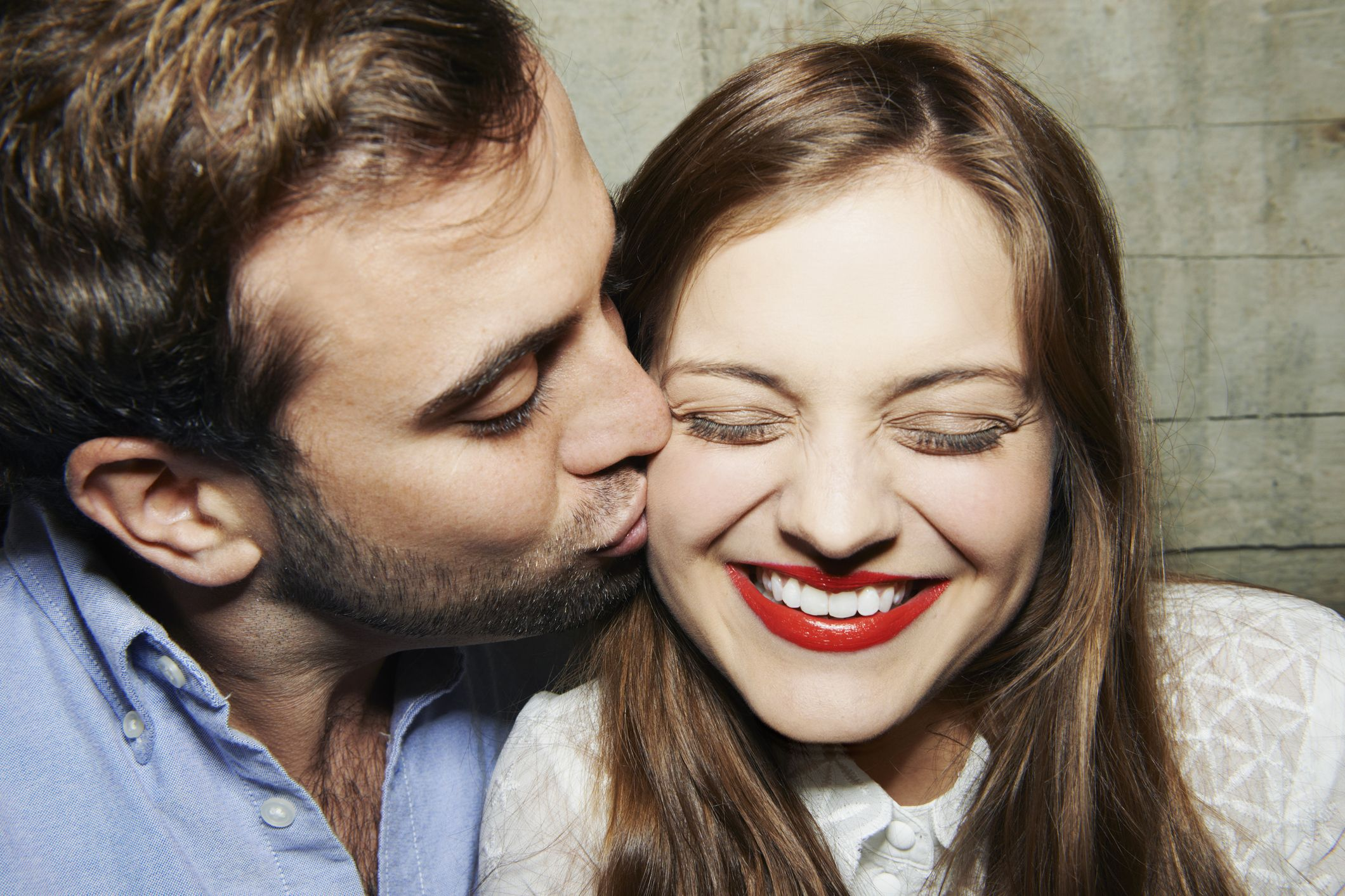 9 signs that he wants, but is afraid to part with you