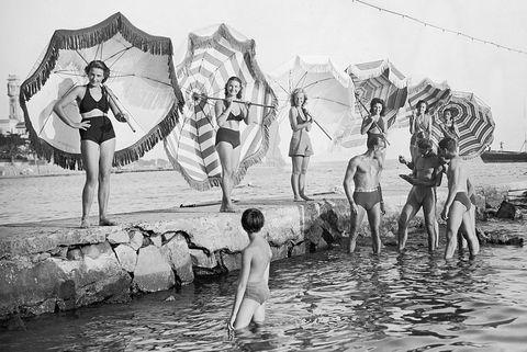 Fun, Water, Black-and-white, Monochrome, Photography, Adaptation, Stock photography, Monochrome photography, Leisure, Tourism,