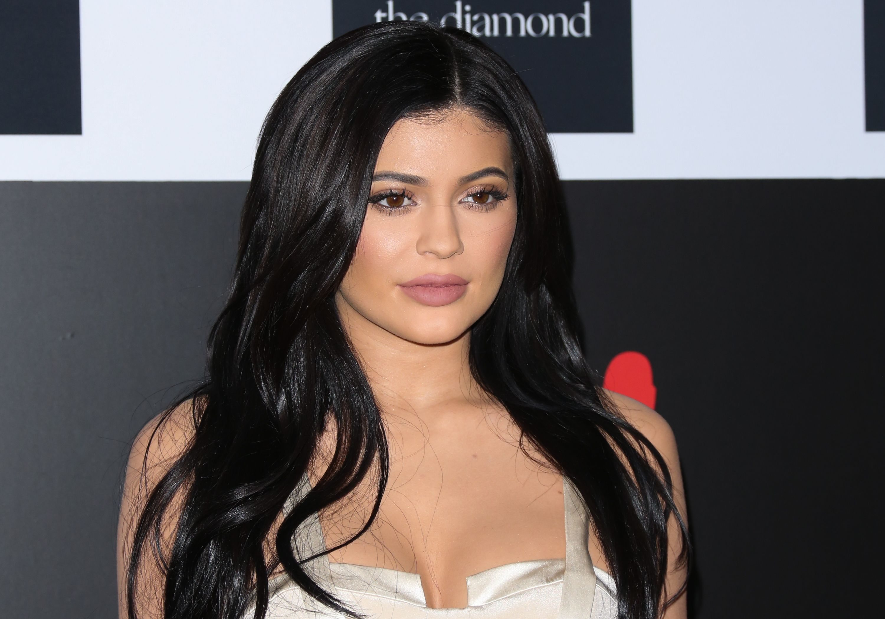 Kylie Jenner just ditched all her hair extensions - and it's a lewk