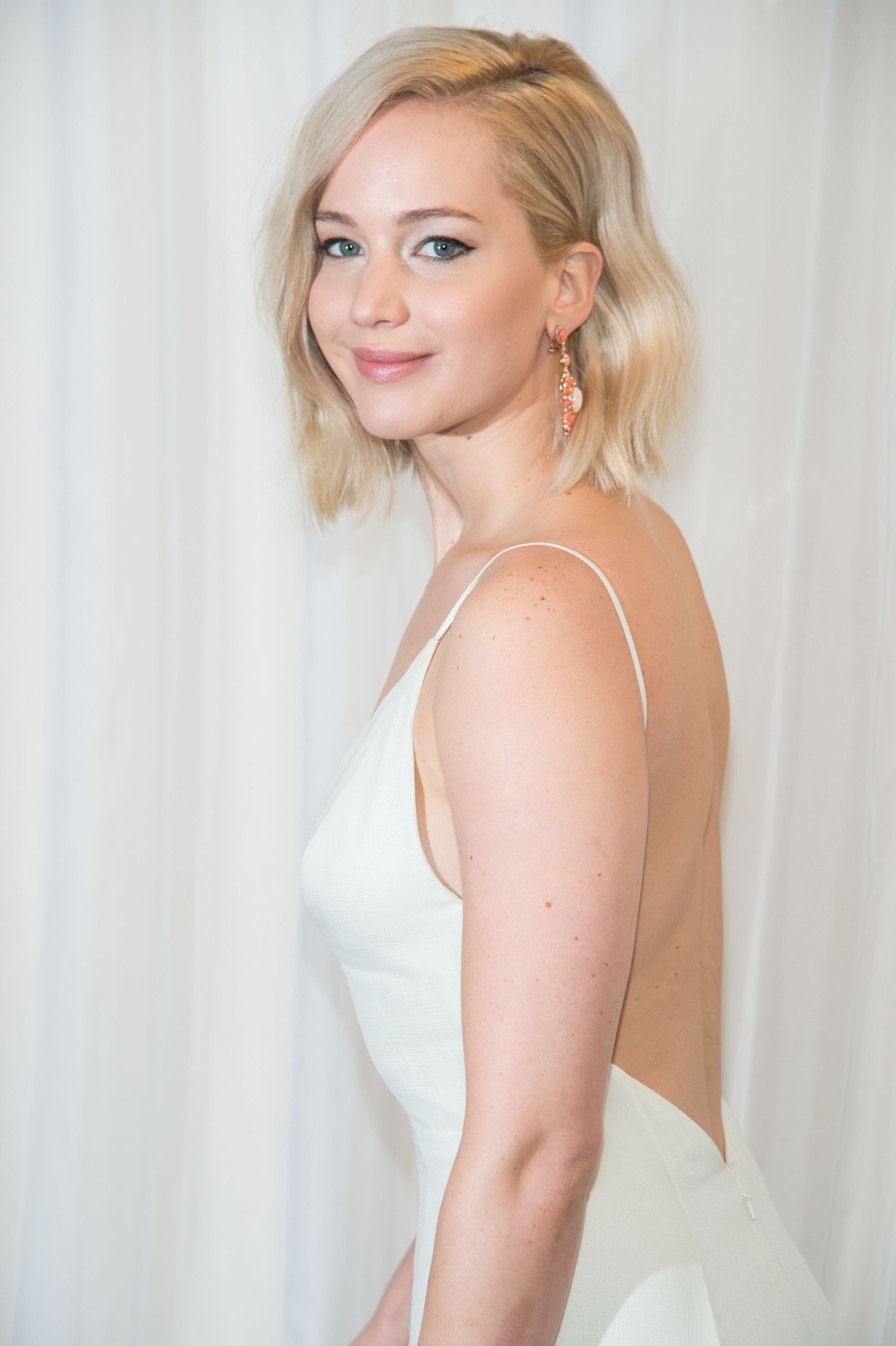 Jennifer Lawrence Publishes Wedding Registry On Amazon And Here's What We're Ordering