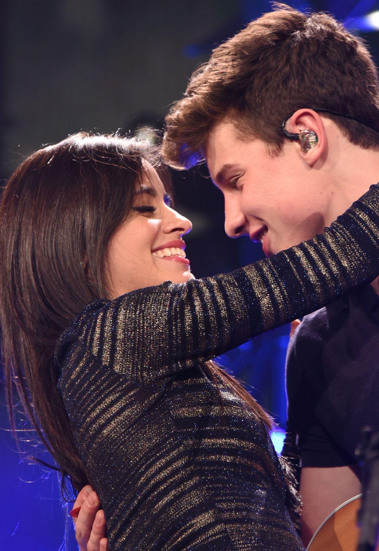 som är Camila dating 2015 Simon och Martina dating