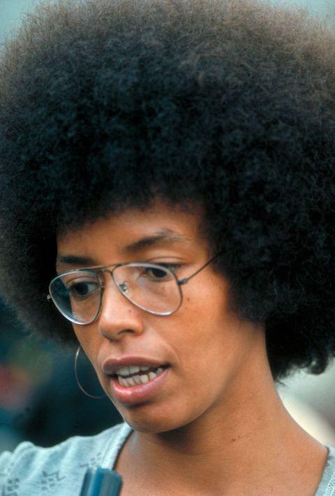 Hair, Hairstyle, Face, Afro, Black hair, Head, Forehead, Chin, Jheri curl, Glasses,