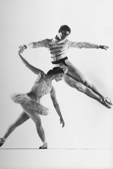 Athletic dance move, Choreography, Dancer, Black-and-white, Jumping, Photography, Footwear, Modern dance, Monochrome, Recreation,