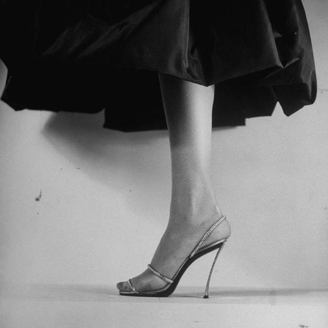 White, Black, Human leg, Leg, Footwear, High heels, Black-and-white, Monochrome, Shoe, Monochrome photography,