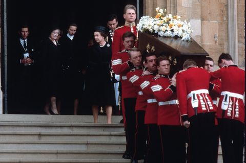london , united kingdom   september 05  queen elizabeth ll, princess anne, queen elizabeth, the queen mother and prince charles, prince of wales stand on the steps of westminster abbey as the coffin of lord mountbatten is carried out by soldiers following his funeral service on september 05, 1979 in london, englandphoto by anwar husseingetty images