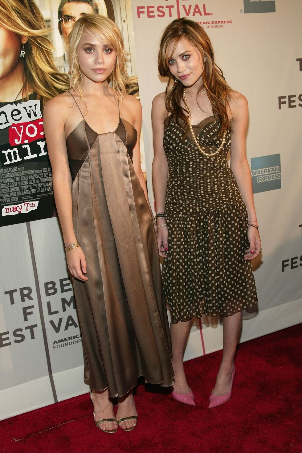 May 4, 2004 For the Tribeca Film Festival premiere of New York Minute, Ashley wore another long satin dress. This time, Mary-Kate opted for a fun polka-dotted dress with pink heels for a pop of color.