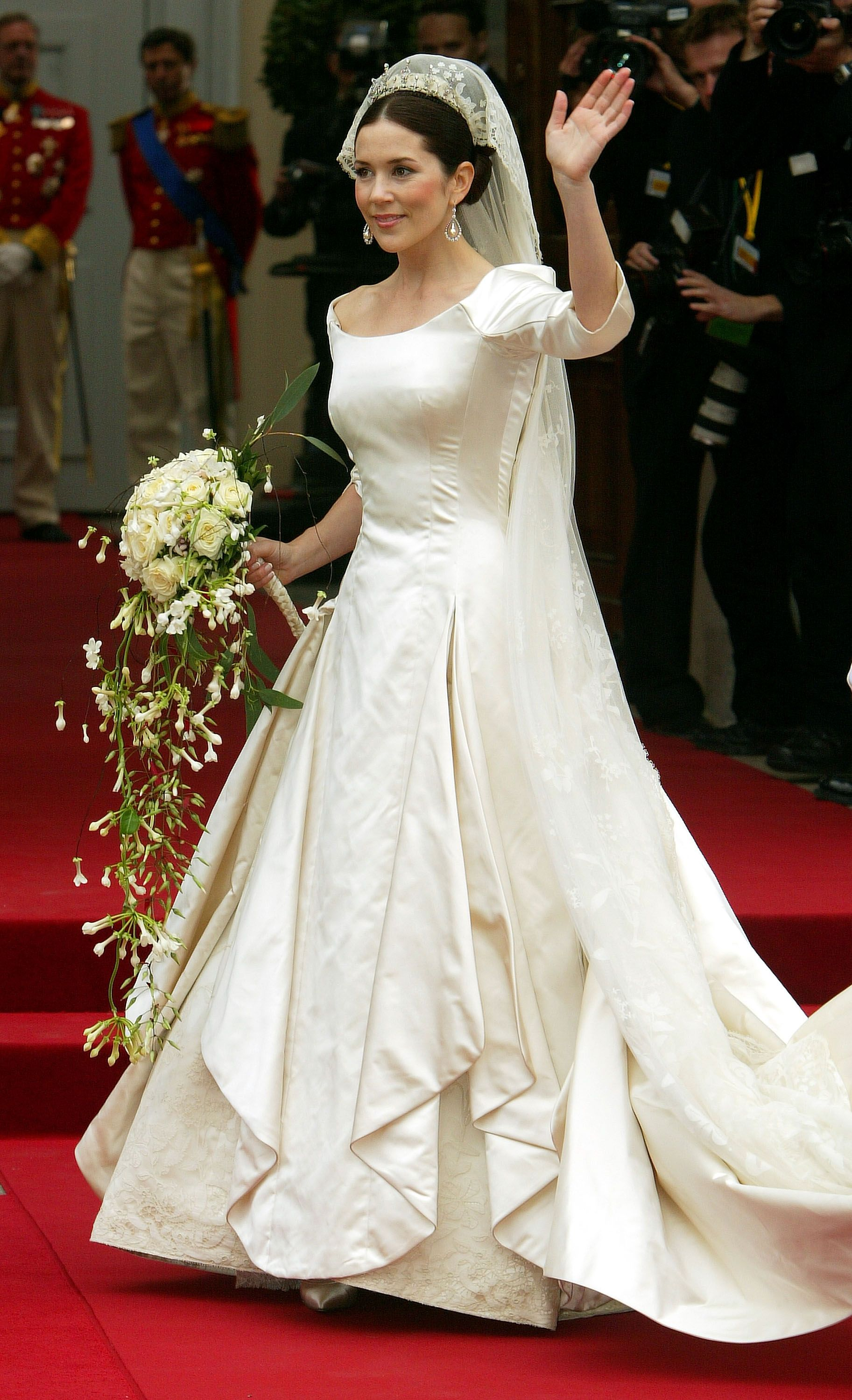 28 Best Royal Wedding Dresses of All Time - Royal Family Wedding Gowns