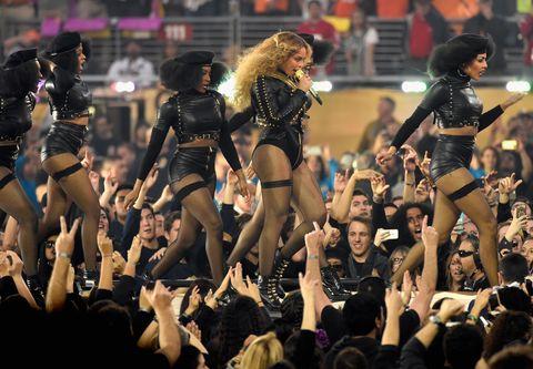Entertainment, Social group, Audience, Crowd, Thigh, Public event, Dance, Performance art, Fan, Dancer,