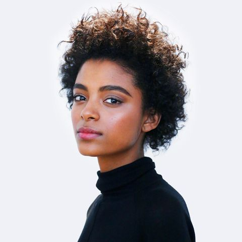 Hair, Hairstyle, Face, Chin, Beauty, Black hair, Human, Lip, Afro, Neck,