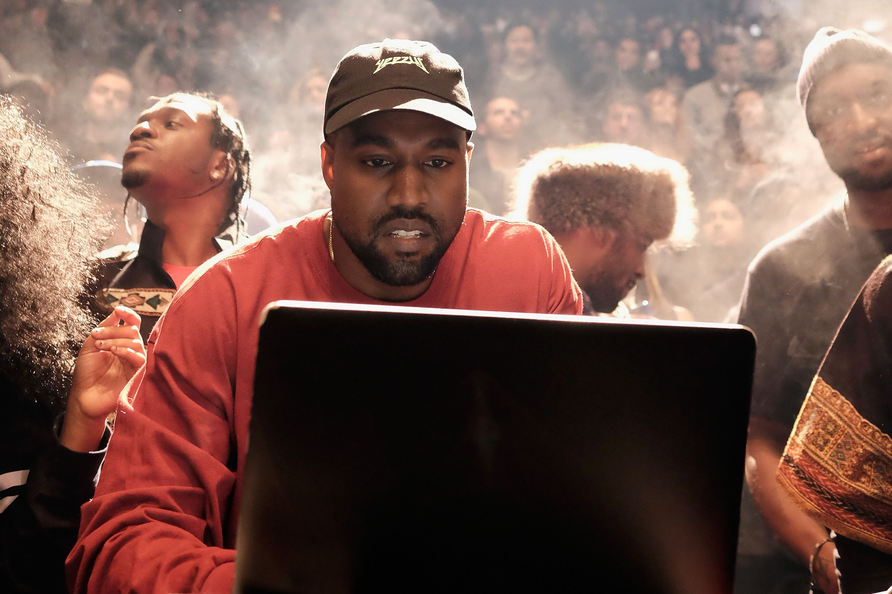 489d77a6fa0d2 Does Kanye West Really Support Donald Trump  - Kanye West Twitter ...