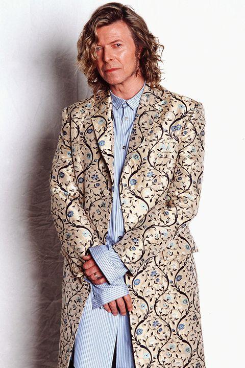 Clothing, Outerwear, Fashion, Coat, Blazer, Fashion model, Overcoat, Beige, Jacket, Trench coat,