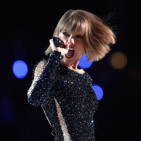 Performance, Music artist, Entertainment, Singer, Performing arts, Music, Pop music, Event, Singing, Stage,