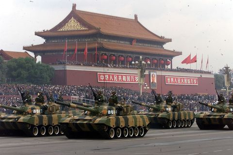 Tank, Combat vehicle, Mode of transport, Vehicle, Chinese architecture, Architecture, Military vehicle, Self-propelled artillery, Building,