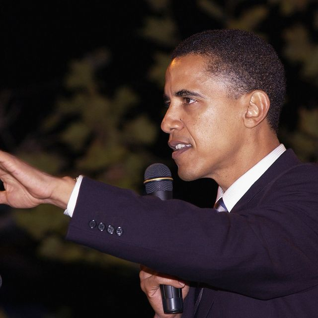 santa monica, ca   october 15 senate candidate barack obama gives a speech at a democratic senate fundraising concert featuring the red hot chili peppers on october 15, 2004 at bergamot station in santa monica, california photo by amanda edwardsgetty images