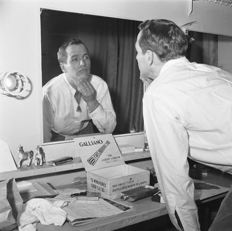 Paul Newman Looking in Mirror