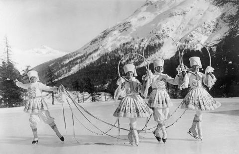Black-and-white, Snapshot, Ice skating, Monochrome, Recreation, Monochrome photography, Pole, Skating, Stock photography, Majorette (dancer),