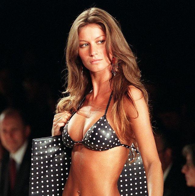 Fashion model, Bikini, Clothing, Fashion, Navel, Model, Abdomen, Swimwear, Fashion show, Event,