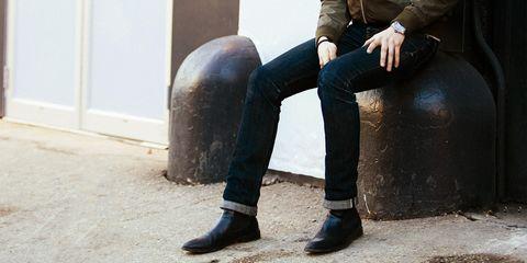 Footwear, Jeans, Riding boot, Leg, Boot, Denim, Shoe, Human leg, Trousers, Knee,