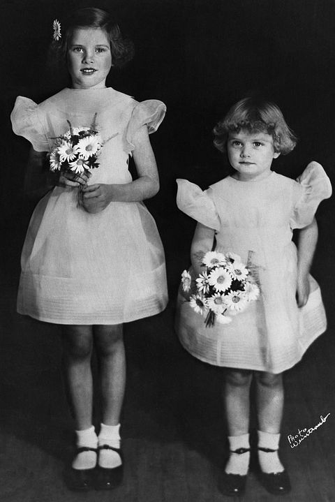 Grace Kelly with Sister Lizanne