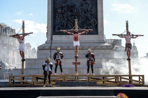 Religious item, Screenshot, Cross, Symbol, Games, Vehicle, Crucifix,