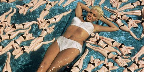 Water, Swimming pool, Leisure, Synchronized swimming, Summer, Sun tanning, Bikini, Recreation, Photography, Swimming,