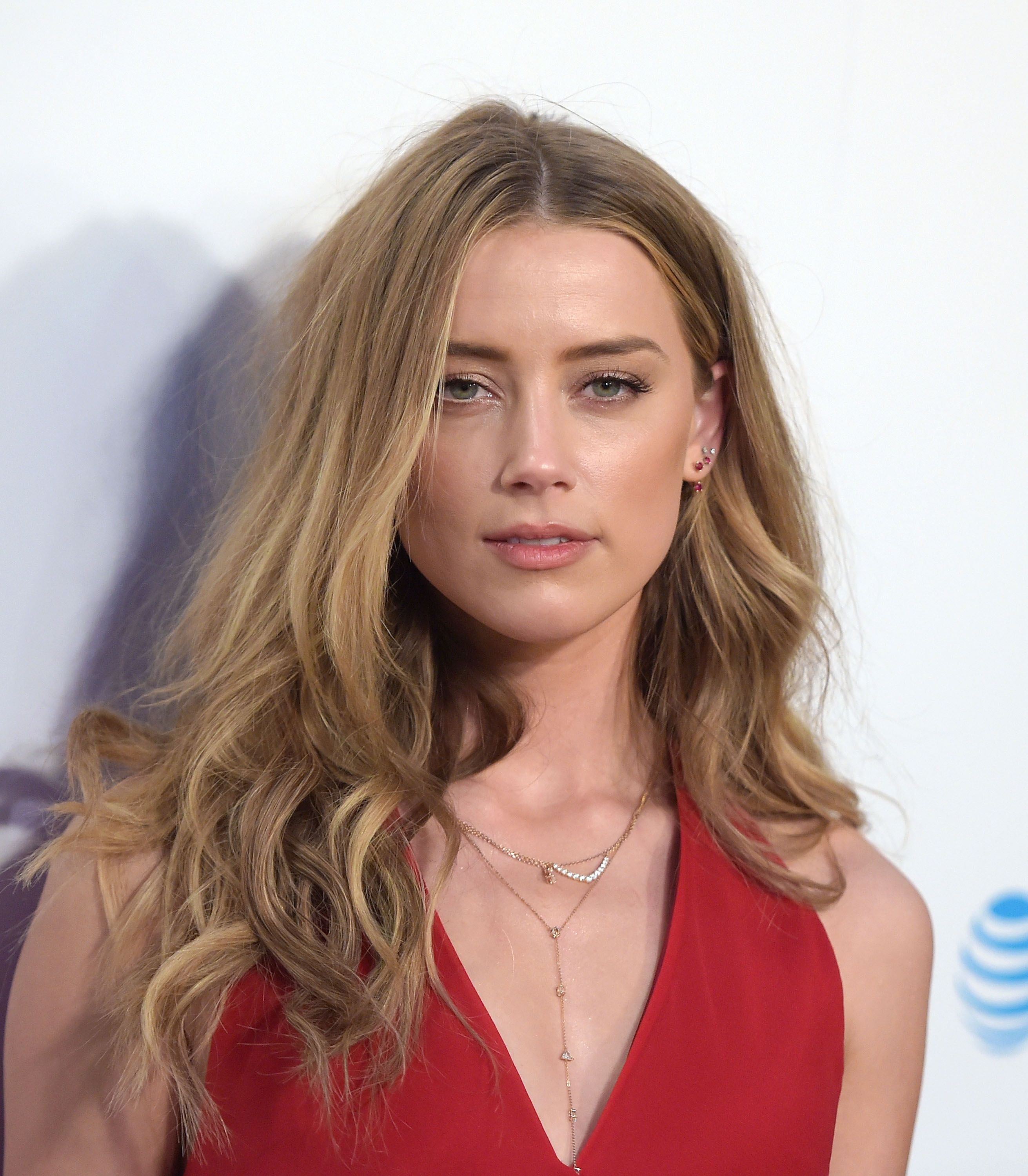 Amber Heard Responds to the De...