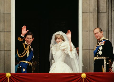 london, united kingdom   july 29  prince charles and princess diana waving from  the balcony of buckingham palace  they are accompanied by prince philip  the princess is wearing a dress designed by david and elizabeth emanuel  photo by tim graham photo library via getty images