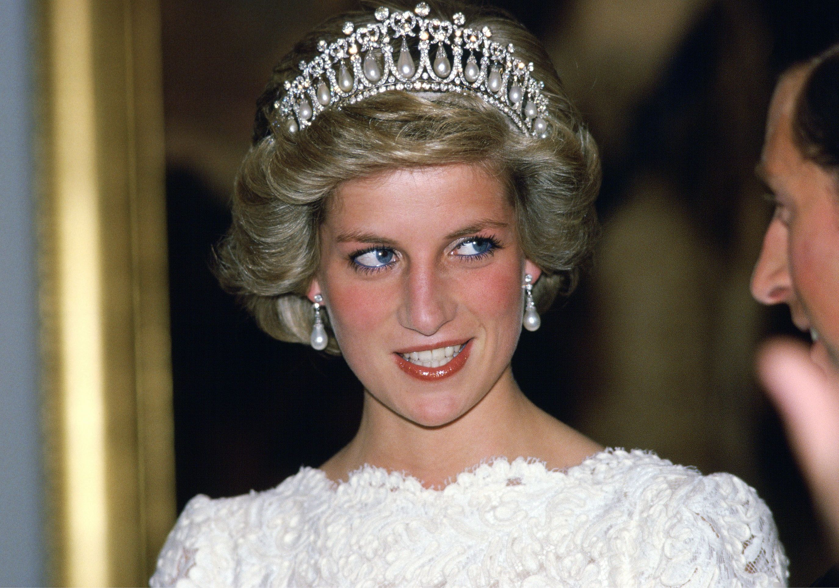 The New Tiara Etiquette: The Duchess Of Cambridge And Saint Laurent Bring Back The Look