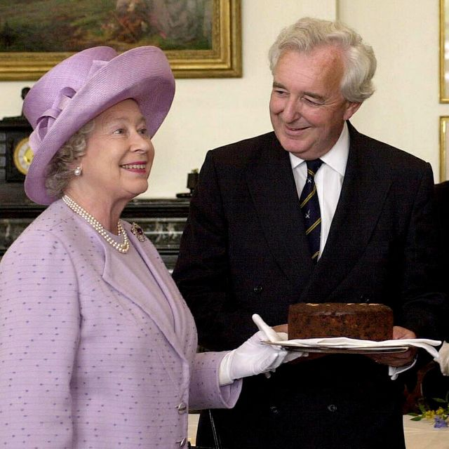 london, united kingdom   july 19  the queen presenting a dundee cake to members of radio fours test match special commentary team  l to r  peter baxter, henry blofeld and christopher martin jenkins at lords cricket ground  photo by tim graham picture librarygetty images