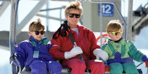 Eyewear, Sunglasses, Fun, Vacation, Recreation, Child, Winter, Vehicle, Family car, Team,