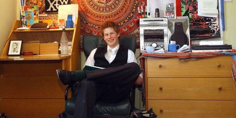 Prince Harry Dorm Room Pictures Prince Harry S Eton