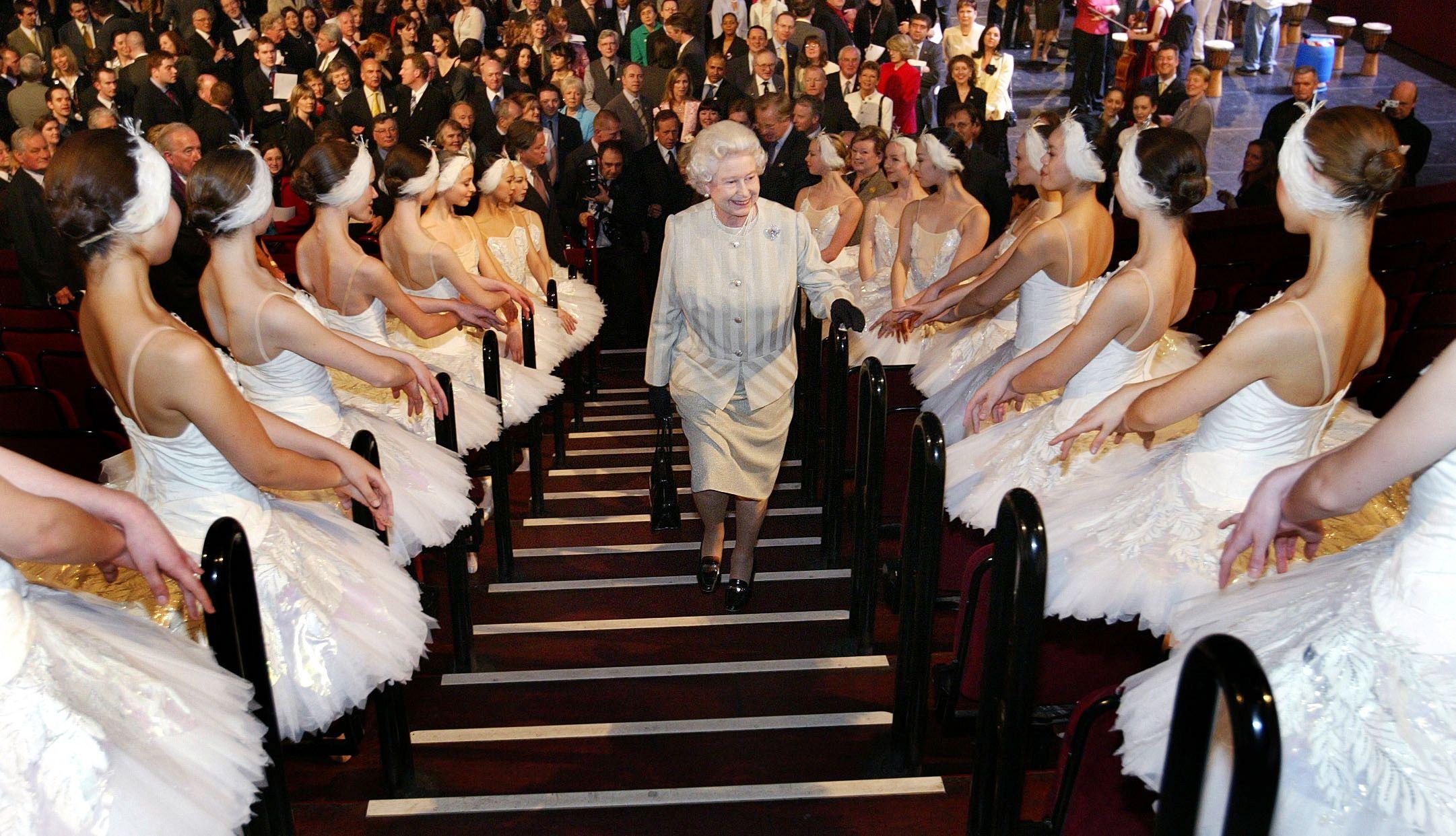 26 Beautiful Photos of the Royal Family at the Ballet