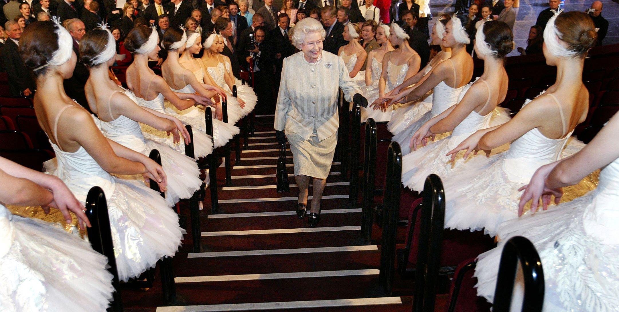 25 Beautiful Photos of the Royal Family at the Ballet