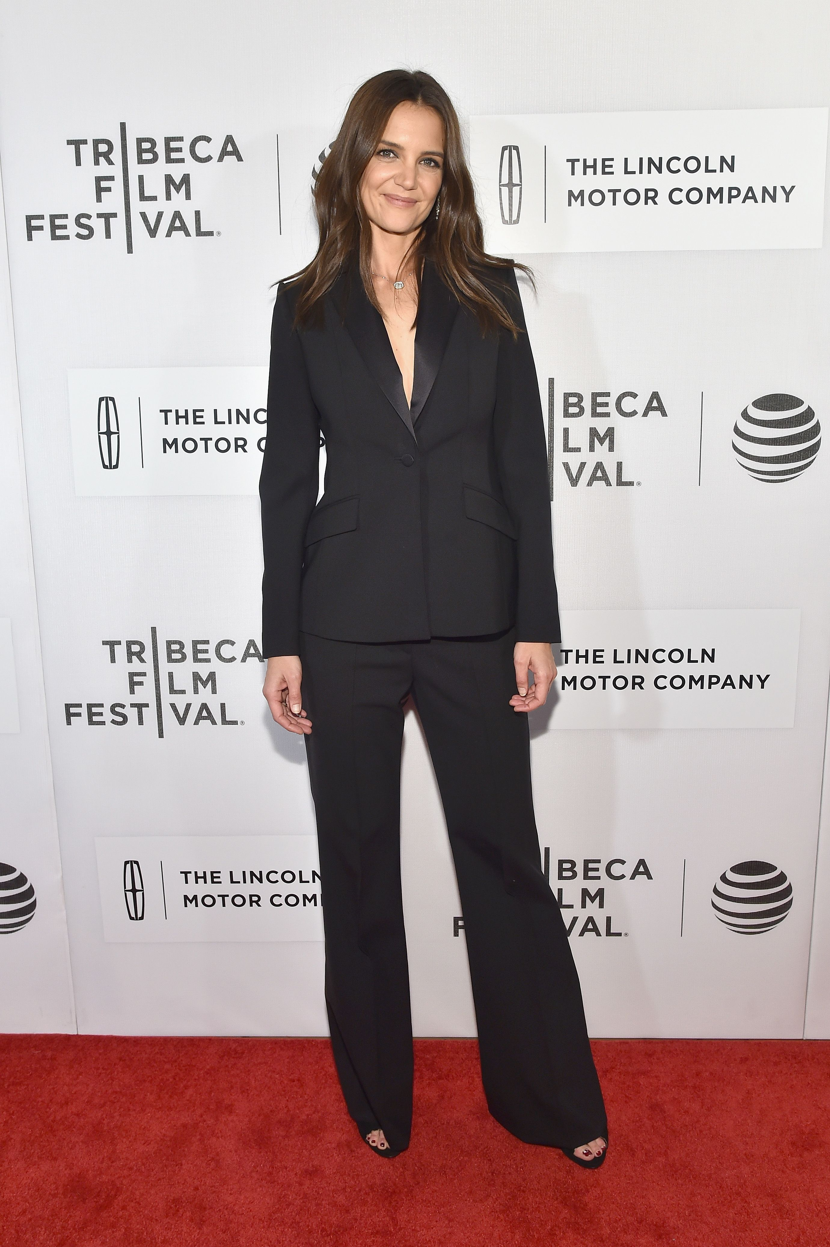 cb207bafd6e Katie Holmes Style Photos - Katie Holmes Best Outfits