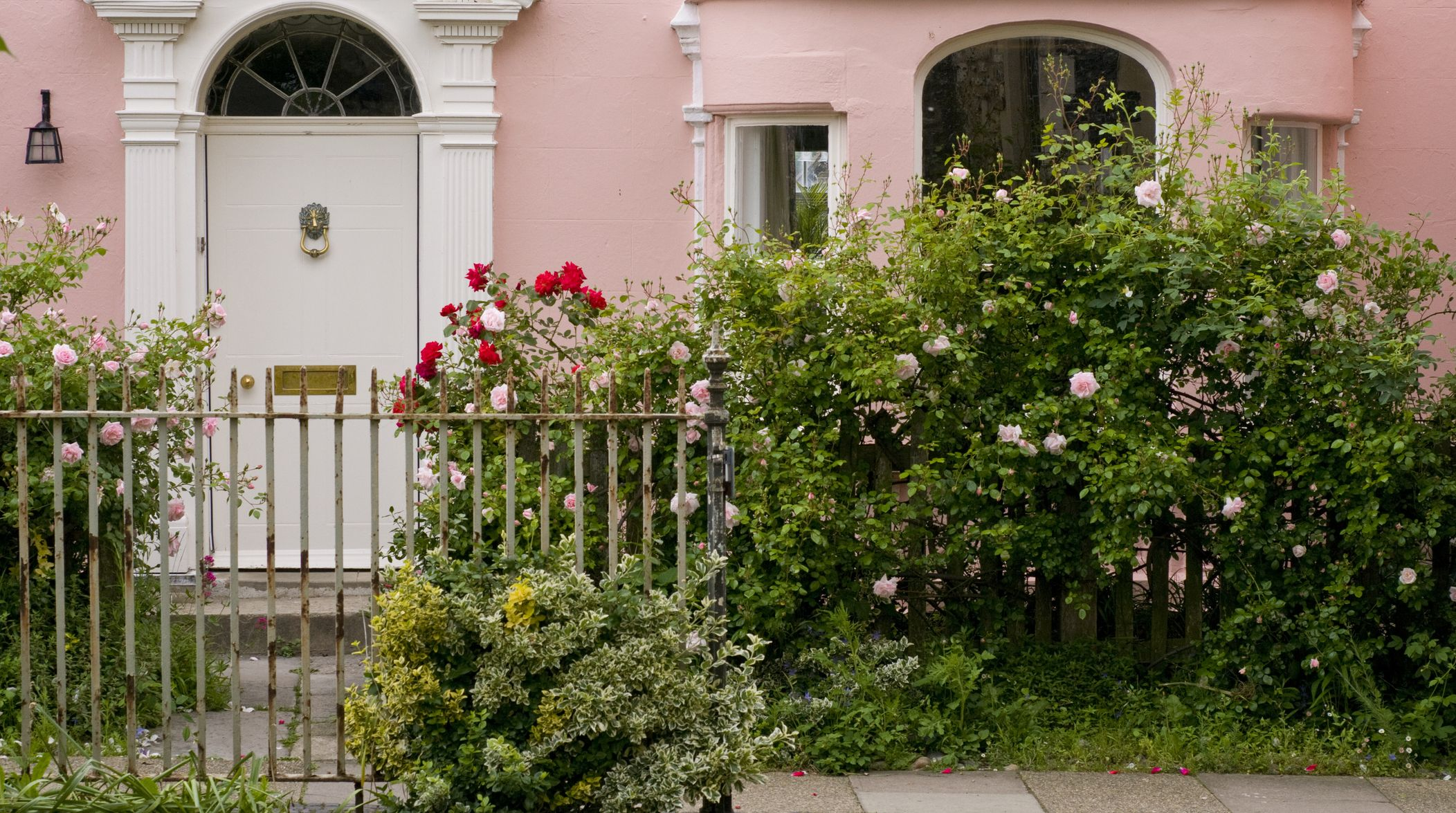Designing Your Front Garden for Terraced Semi Detached and Detached