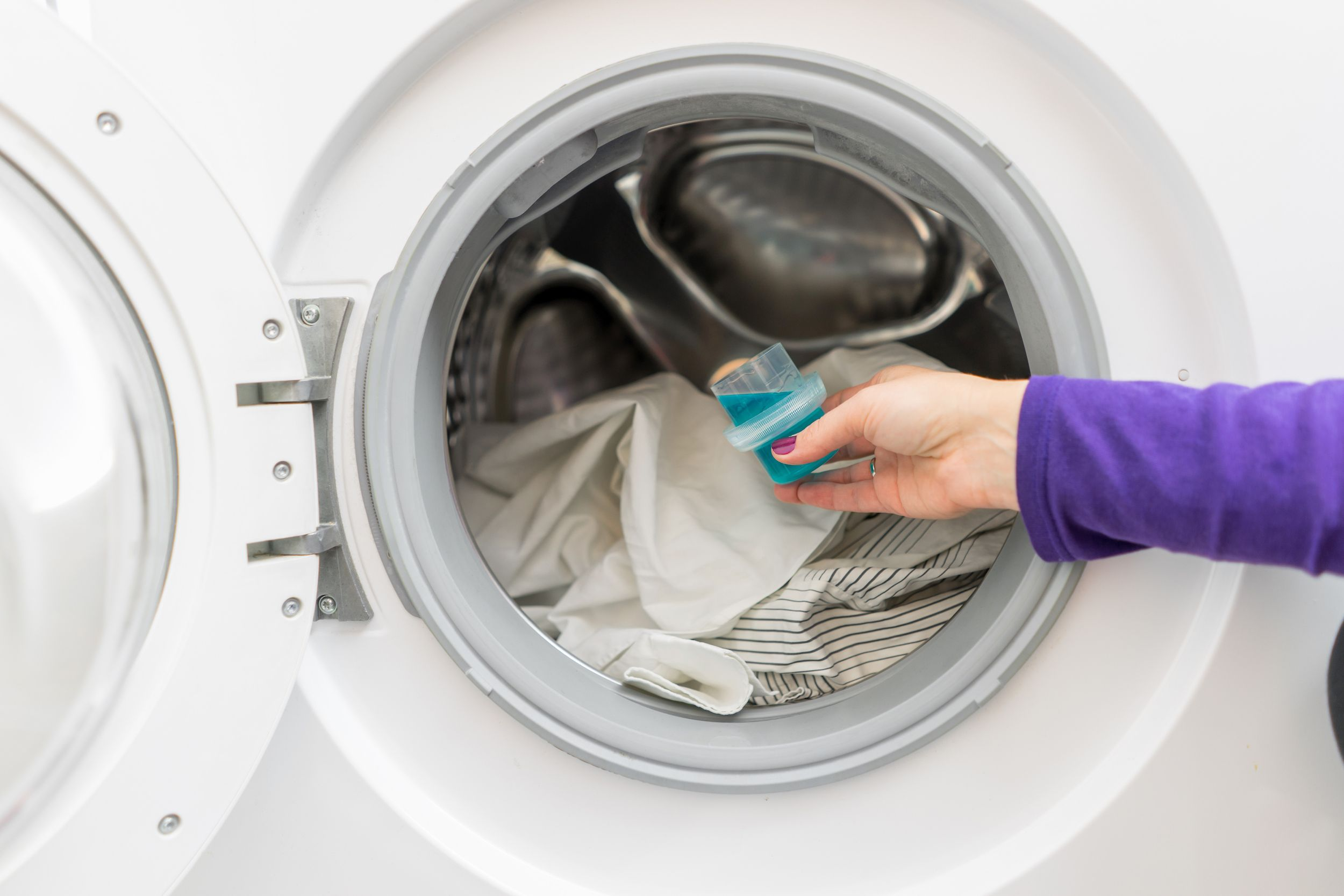 How To Make Your Clothes Smell Good In The Dryer the best and worst smelling laundry detergents - scented