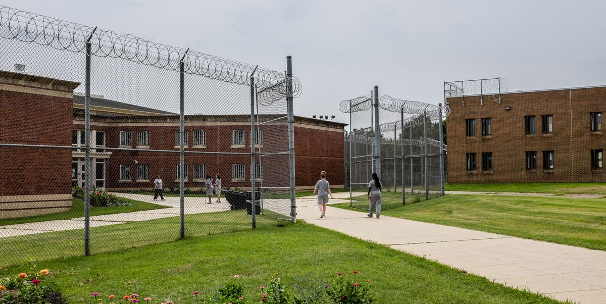What It's Like to be Trapped in a Women's Prison During a Pandemic