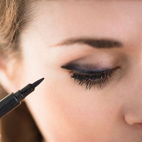 eyeliner smudge