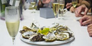 champagne oyster etiquette