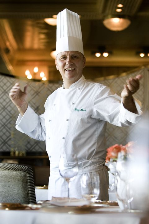 Cook, Chef, Chef's uniform, Chief cook, Cooking, Pastry chef, Culinary art, Baker, Food, Cooking show,