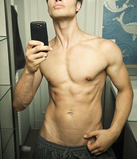 Barechested, Abdomen, Muscle, Chest, Stomach, Trunk, Arm, Selfie, Bodybuilder, Chin,