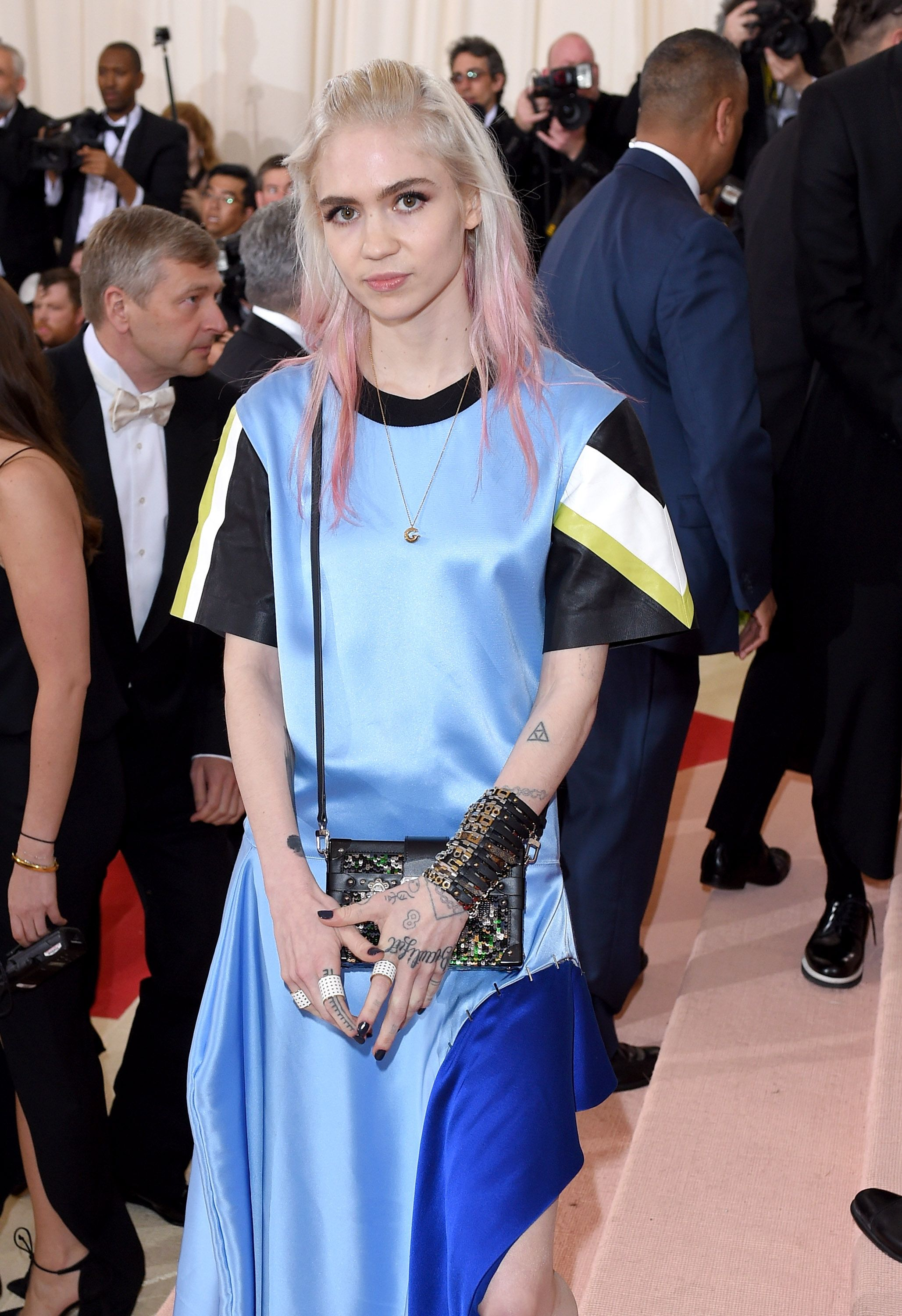 Who Is Grimes - How Did Elon Musk's New Girlfriend Grimes
